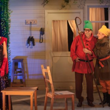Vania şi Sonia şi Maşa şi Spike, în premieră, la Teatrul Foarte Mic din Capitală