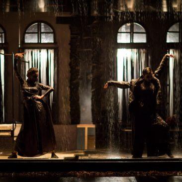 Amphitrion 38 | Teatrul Bacovia